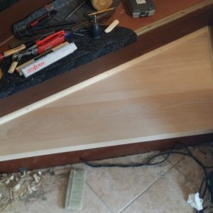 Holz-Treppe-Treppenlauf-Treppenauge-aufbereitet-repariert